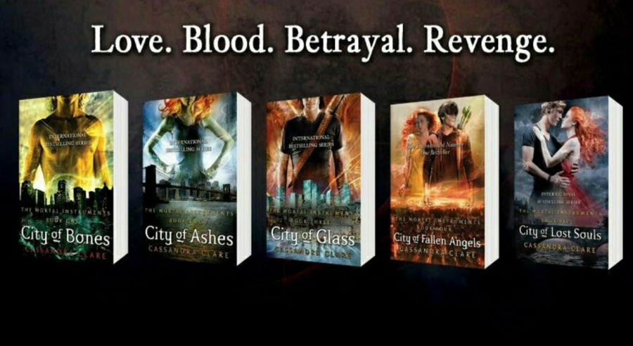 The Mortal Instruments-Cassandra Clare-Book vs Movie