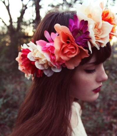 big-flower-crown-for-a-fairy-look.jpg