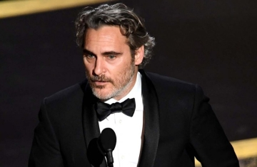 joaquin_phoenix_accepts_the_actor_in_a_leading_role_award_for_joker_onstage_during_the_92nd_annual_academy_awards__-2-__getty_-_h_2020_